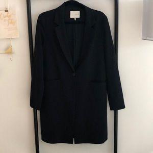 Long navy blazer with pockets